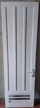 Двери межкомнатные деревянные 2шт