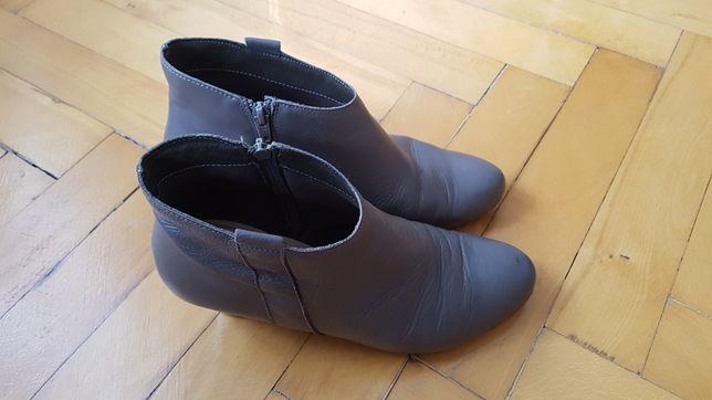 Buty skórzane na obcasie r. 42