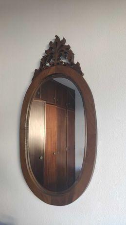Espelho (moldura de madeira)
