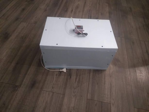 Inkubator do jaj jaja wylegarka klujnik na 50 jaj