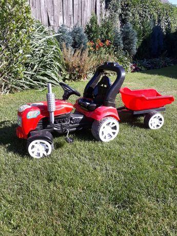 Traktor na pedały z przyczepką