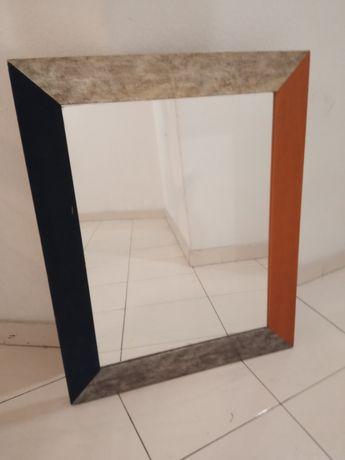 Espelho.      altura.  0.77.    Larg.   0.62