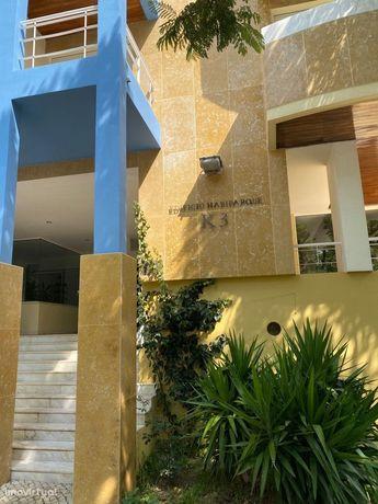 Venda ou Arrenda Apartamento Luxo no Edificio Habiparque em Telheiras