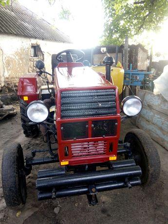Трактор Синтай 180