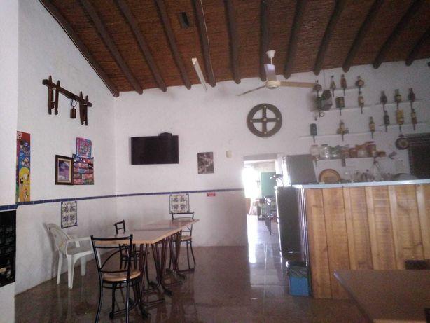 Café Tradicional Alentejano no centro/habitação-Alqueva