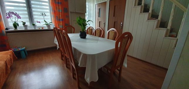 Sprzedam stół, 8 krzeseł. Stan bdb.