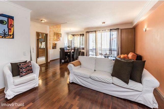 Fantástico Apartamento T4 - Transformado em T2 | Terraço | Porto
