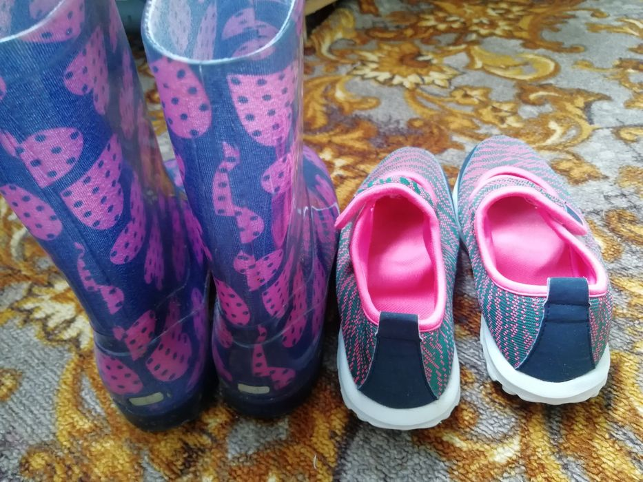 Сапоги резиновые 32-33р и кроссовки Херсон - изображение 1