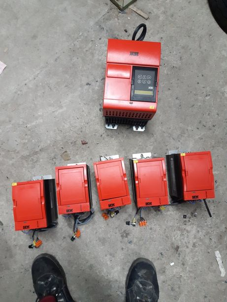 falowniki sew 3szt 1,1 kW, 2,2kW 1szt