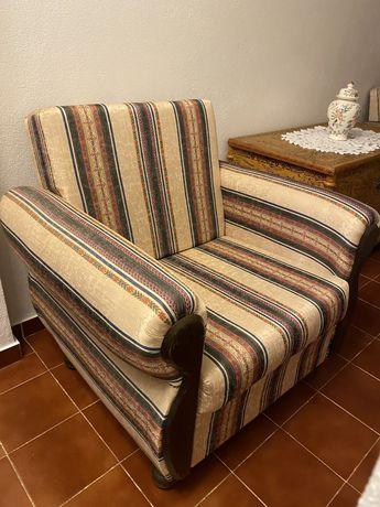 Vendo estes dois sofás - 20€ cada um