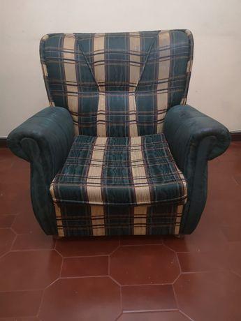 1 poltrona  sofa