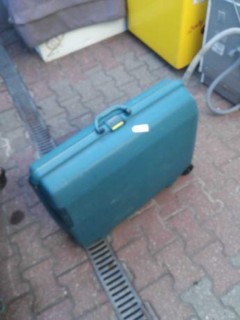 sprzedam walizke  podrozna na kolkach