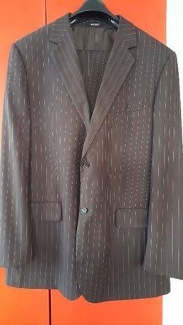 Garnitur męski brązowy w paski - MORE