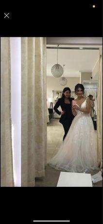 Suknia ślubna 34 piekna gleboki dekold