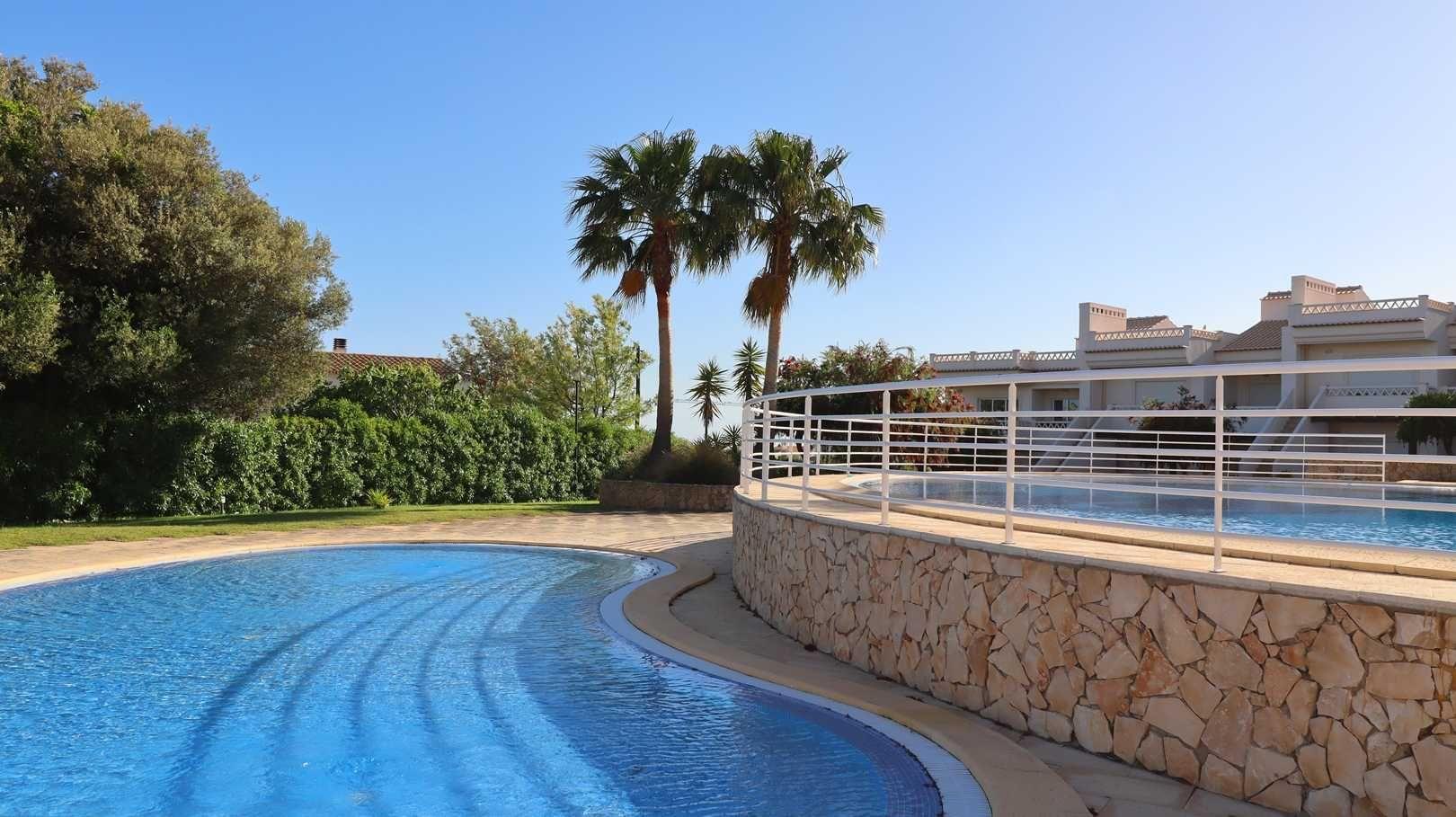 Vila 2 quartos com vista mar, piscinas, espaços verdes, Albufeira