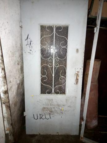 Продам железную дверь.