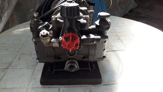 Motor eletrico com bomba