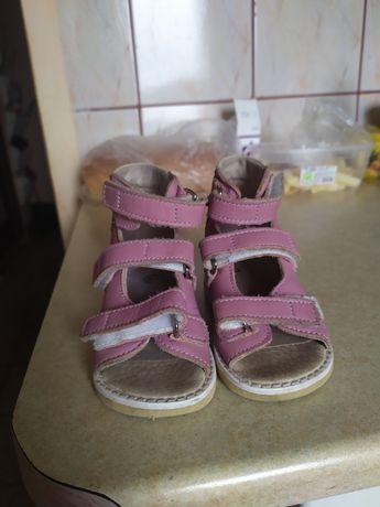 Дитяче взуття ортопедичне (вальгус)