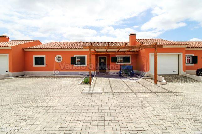 Moradia T3 em Foros de Salvaterra (F628)