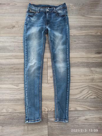 Nowe spodnie rurki jeansy S