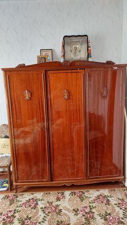 Предметы спального гарнитура Элеонора, производство Румыния