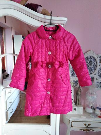Płaszczyk płaszcz różowy neonowy pikowany kokardki