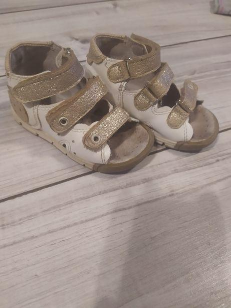 Kornecki sandałki 20 skórzane