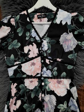 Sukienka maxi czarna w kwiaty roz M
