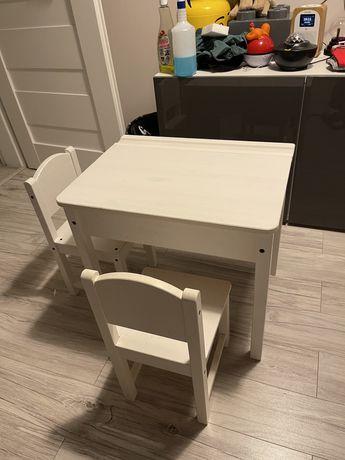 Stolik dla dzieci z krzeslami