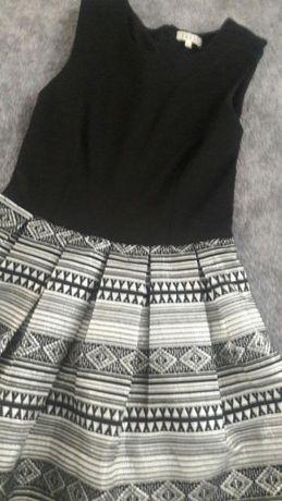 Sukienka czarna srebrna aztec zakonczenie elegancka rozkloszowana m38