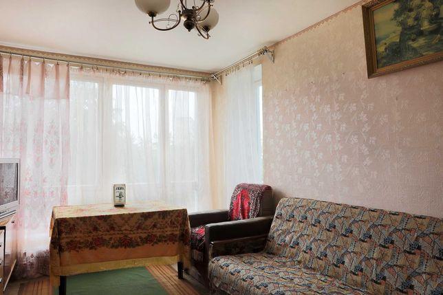 Продаю 1-комнатную на Милютенко 17, метро Черниговская, Лесная 15 мин.
