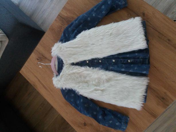Zestaw koszula jeansowa i kamizelka futrzana na 6-7 lat