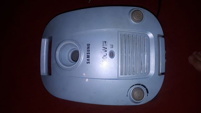 Запчасти щетка,шланг,труба,мешок на пылесос Samsung