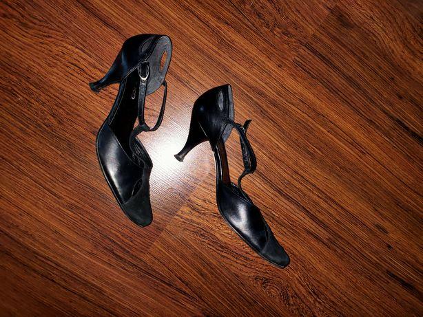 Czarne, skórzane buty firmy  Ryłko rozmiar 38.