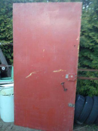 Drzwi z blachy stalowej zewnętrzne izolowane