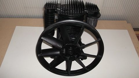 Motor de piston para compressos de correias