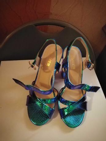Metaliczne sandały na obcasie Born2Be, nowe, rozmiar 36,tanio