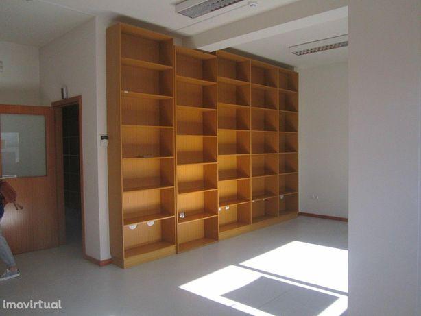 Escritório  Arrendamento em Oliveira de Azeméis, Santiago de Riba-Ul,