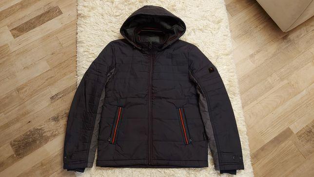 Продам демисезонную  подростковую куртку