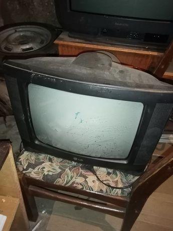 Продам телевизор LG с маленьким экраном