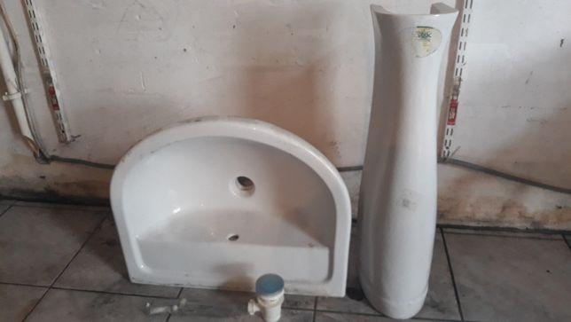 Zlew łazienkowy caly komplet nowy
