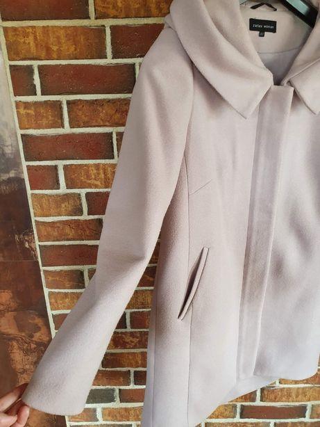 Jasnoróżowy płaszcz z wełną ZARTEX