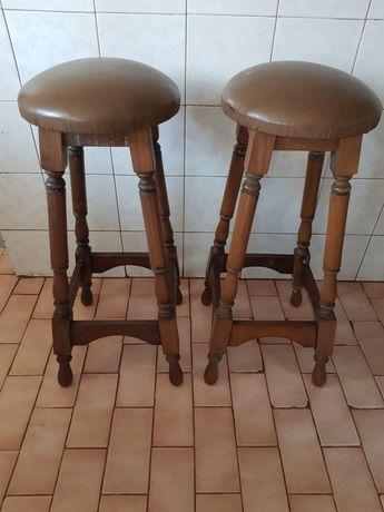 2 Cadeiras de Madeira (10€ as 2 uni)