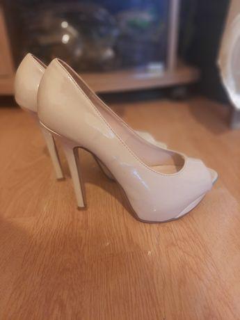 Туфлі (босоніжки) 36 р