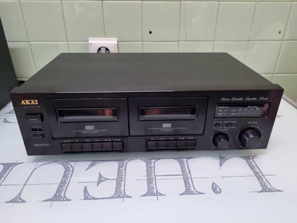 Deck cassetes akai