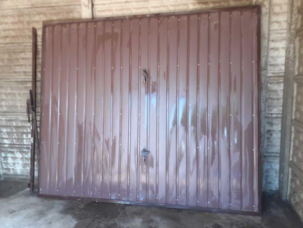 brama garażowa kolor brązowy