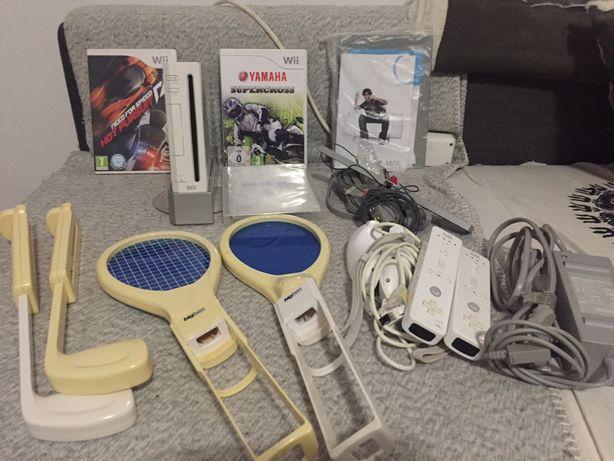 Wii com varios acessórios