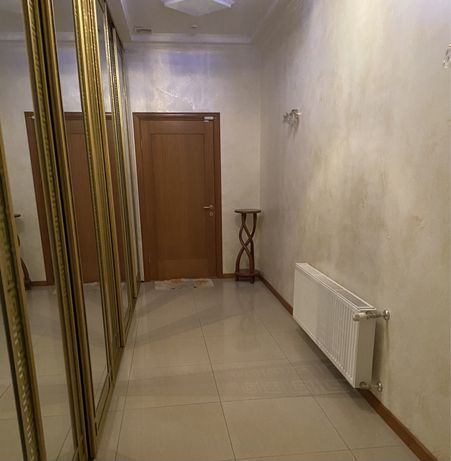 Продається квартира 160/кв.м
