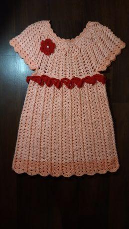 Продам теплое вязаное платье на р. 104-116