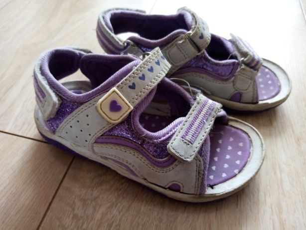 Sandałki dla dziewczynki 25